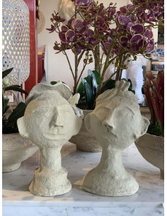 Couple en papier maché